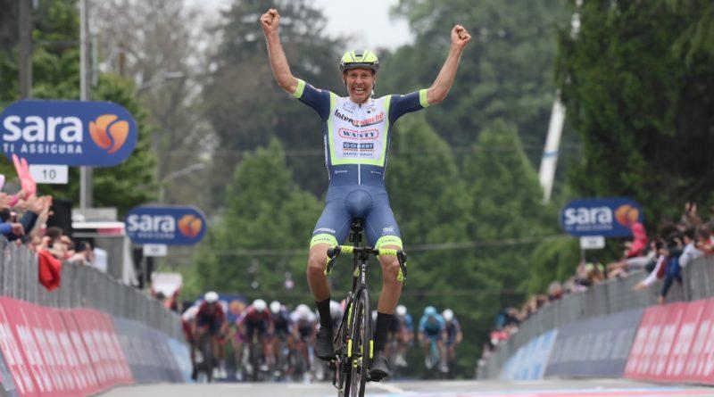 Ciclismo – Giro d'Italia – Taco Van Der Hoorn vince la 3 tappa del giro d'Italia Filippo Ganna conserva la maglia rosa.
